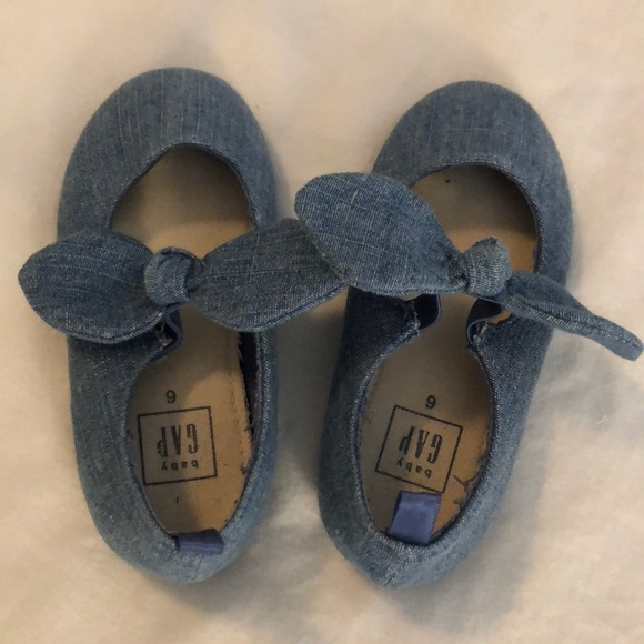 GAP Other - Baby Gap dress shoes!